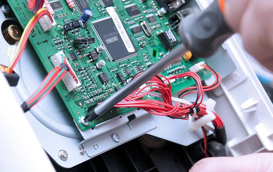 MES Kabelkonfektion Steckverbinder Platine