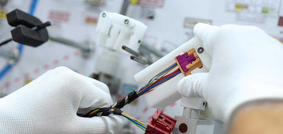 MES Kabelkonfektion Stecker